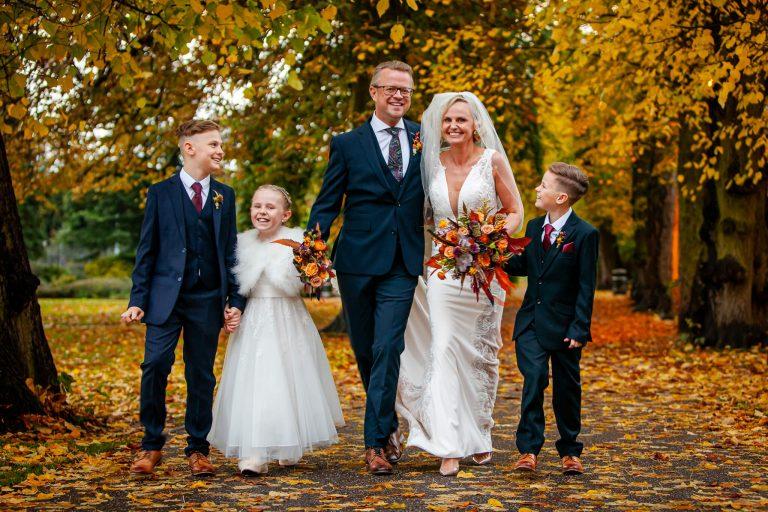 family-bride-groom-wedding-photography-stanbury-photography