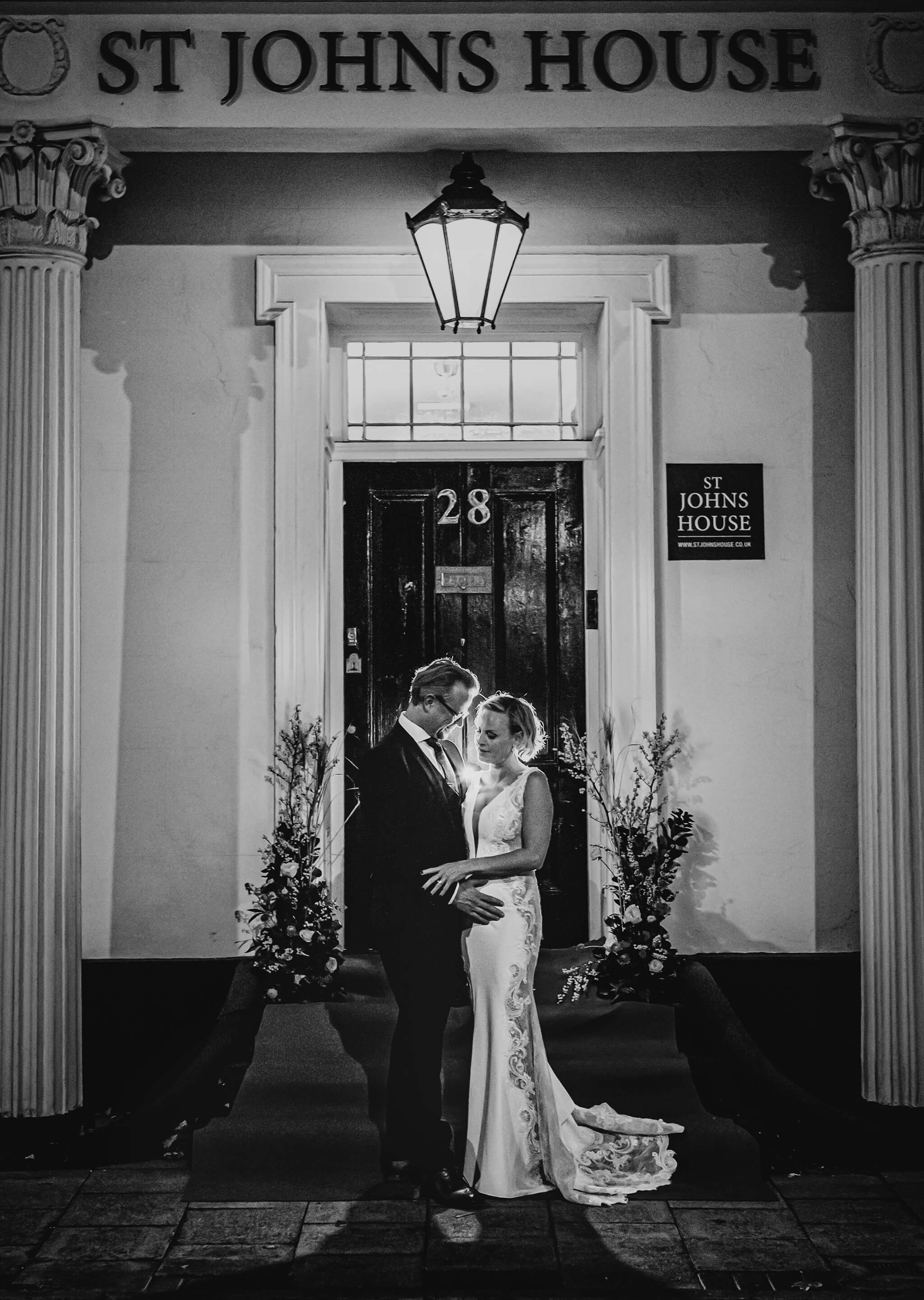 st-johns-litchfield-wedding-photograph-stanbury-photography