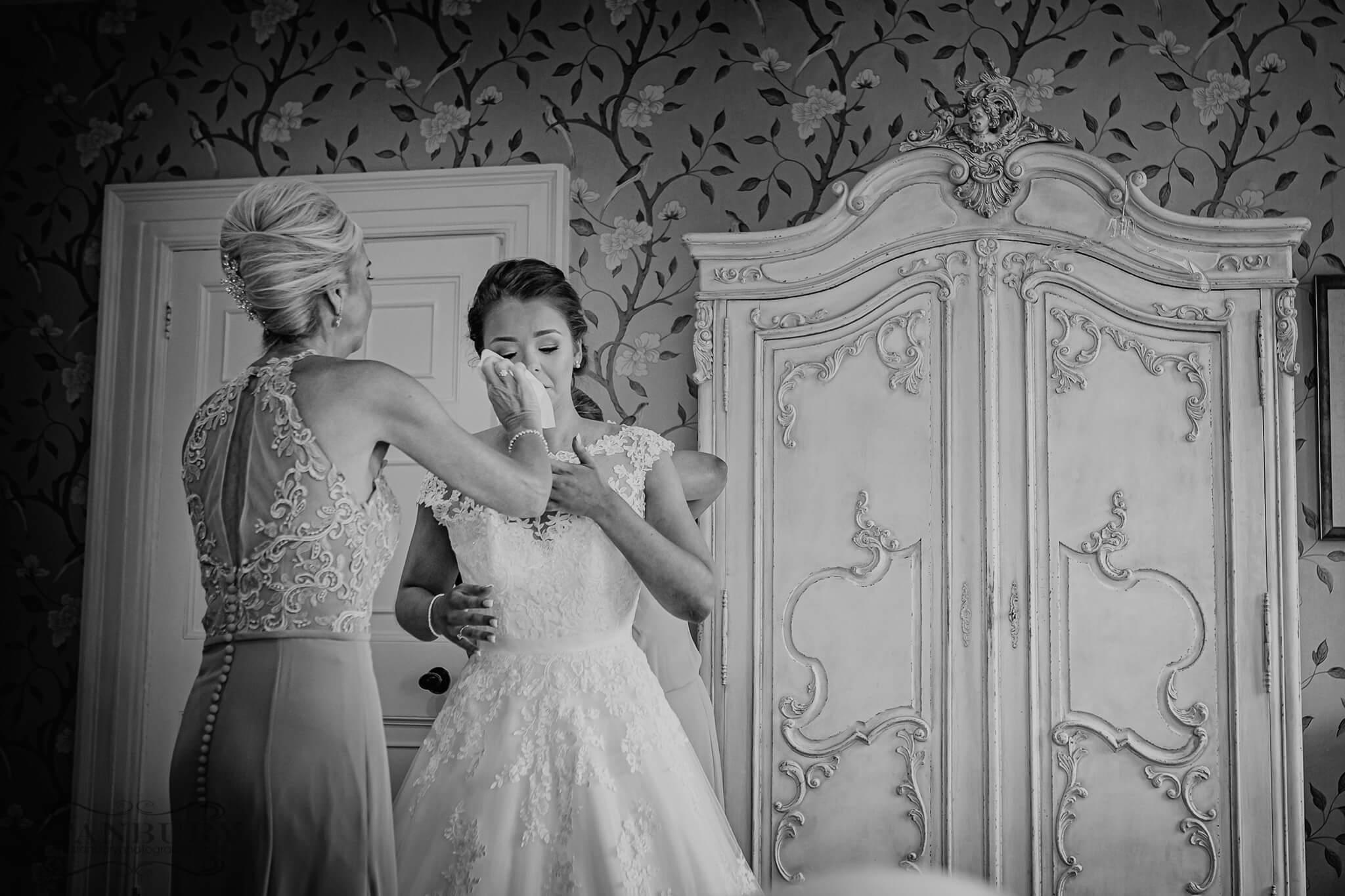 eaves-hall-wedding-photography-006