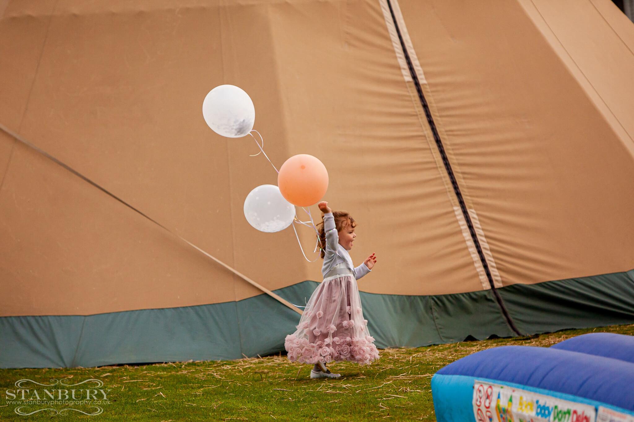 tipi-festival-wedding-photography-lancashire-stanbury-043