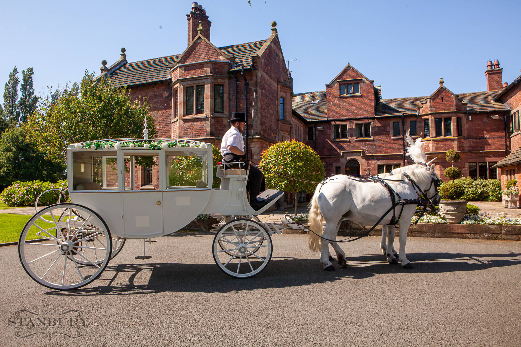horse-carraige-colshaw-hall-cheshire-photographers-stanbury
