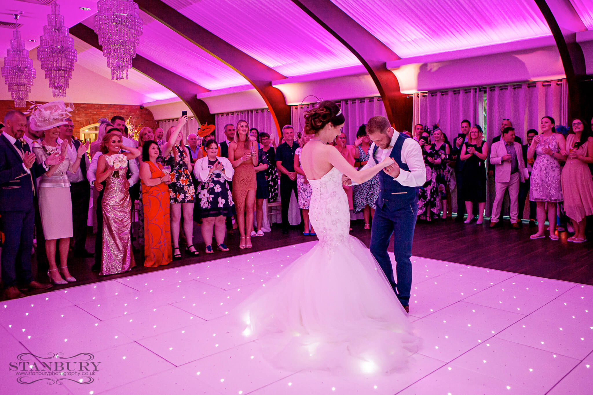wedding-dance-colshaw-cheshire-photographers