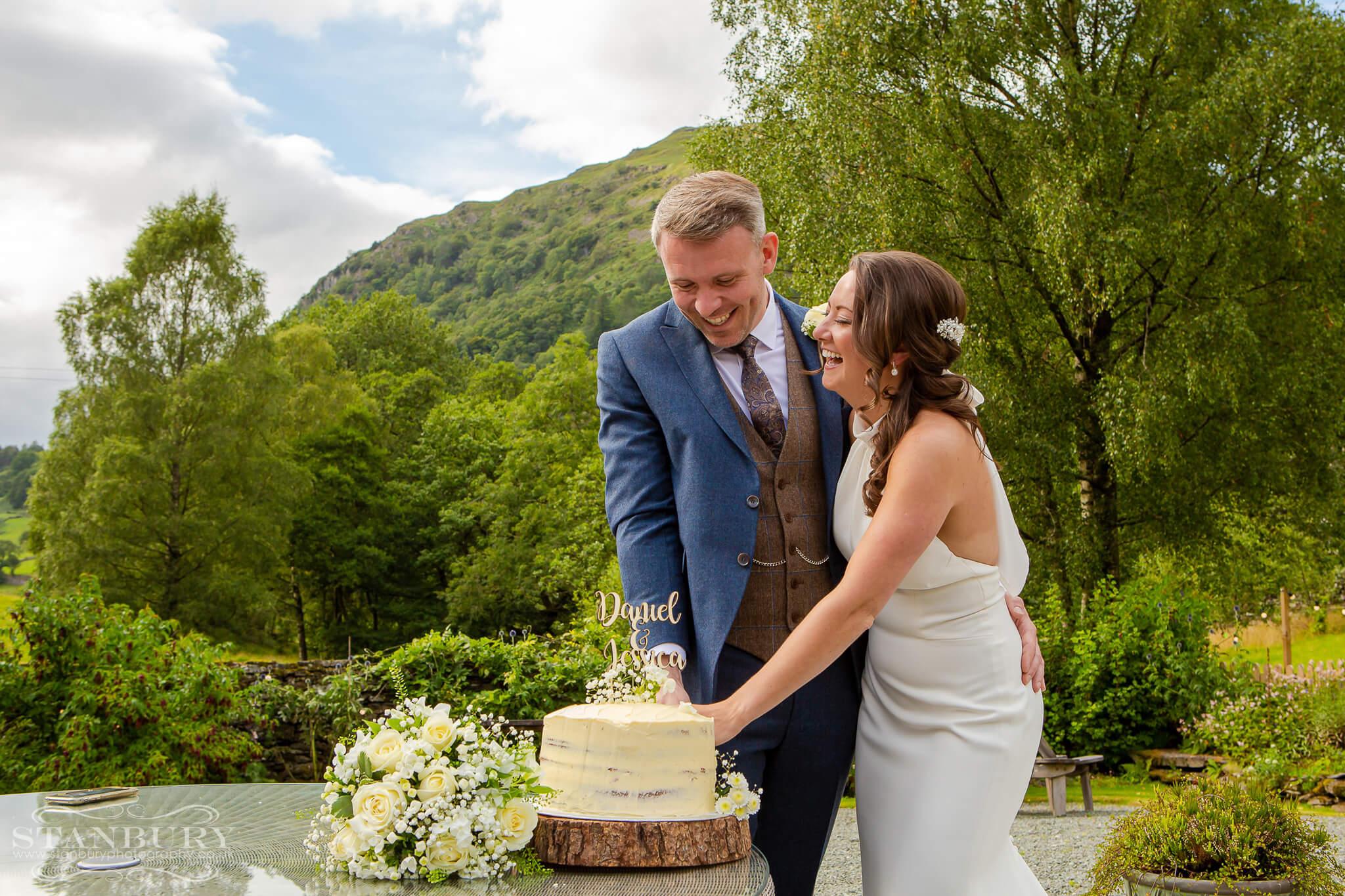 wedding-cut-cake-lake-district-photography