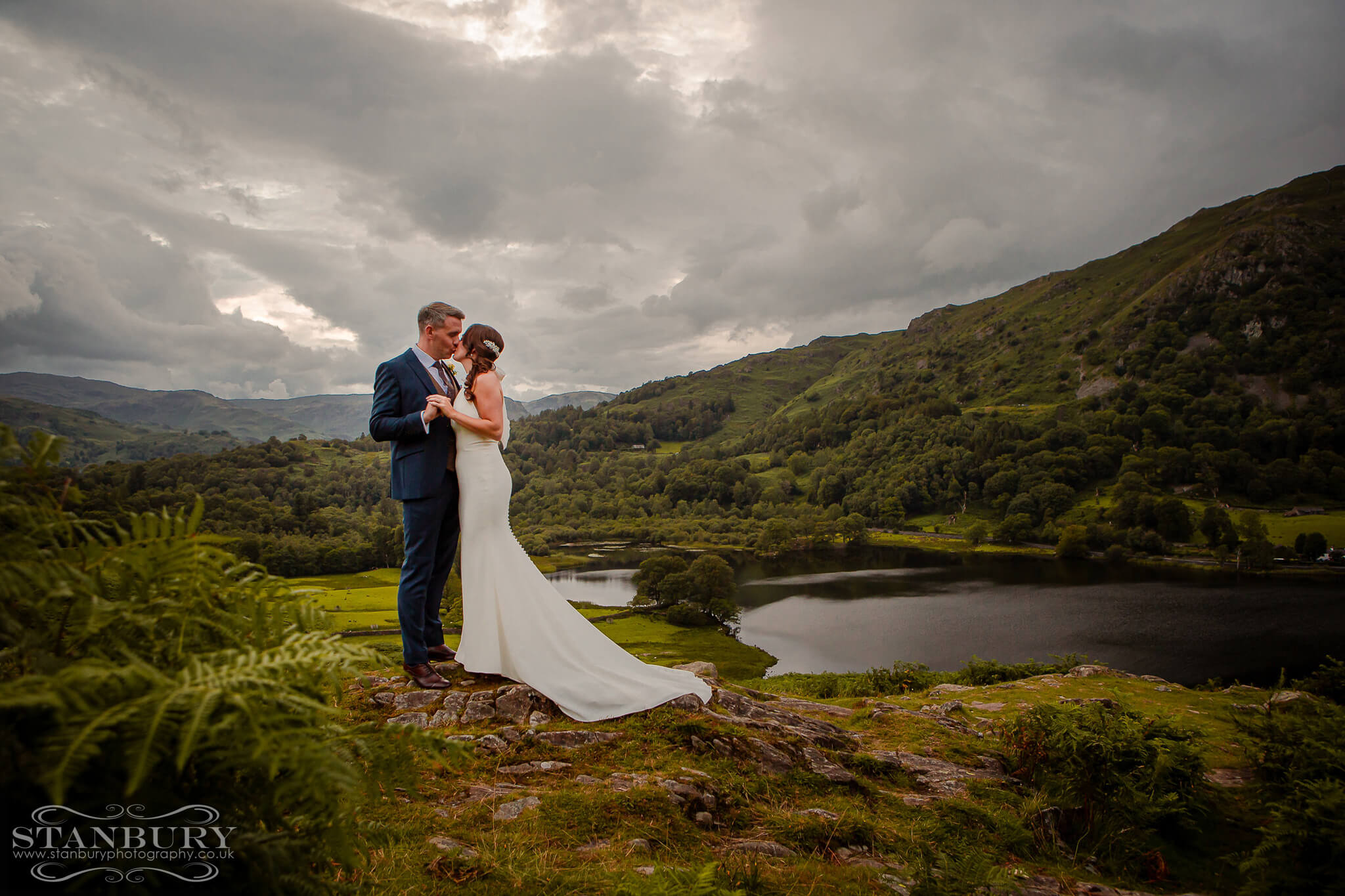 bride-groom-lake-district-view